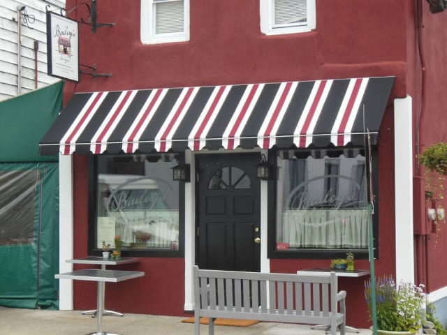 How to Choose the Perfect Commercial Awning